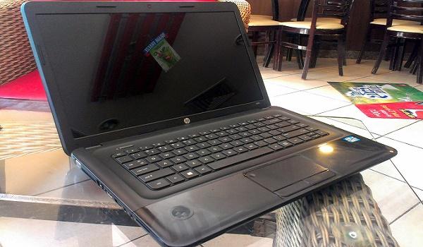 Laptop HP 2000